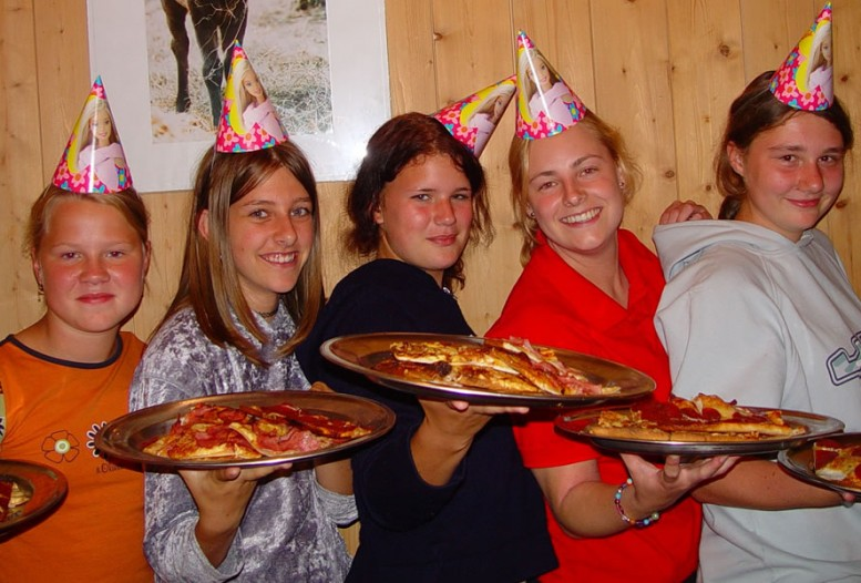 Party & Pizza = Spaß